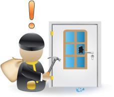 üvegezett ajtónál a gomb könnyen elérhető